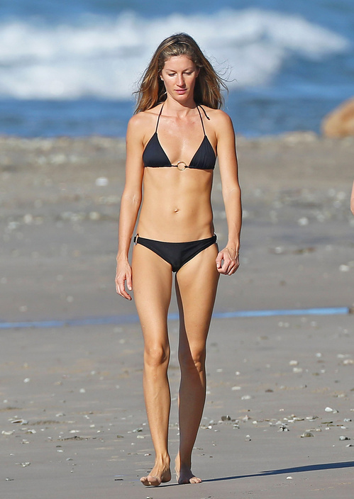 1417737521_gisele_bundchen_bikini_zoom_jpg_7910_north_499x_white.jpg