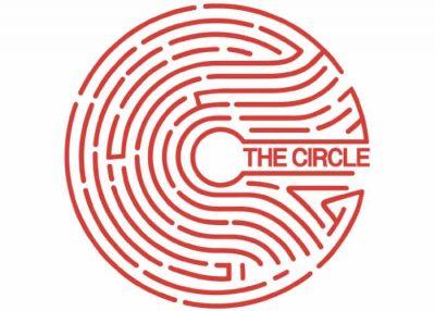 The-Circle-2017-Movie-Starring-Emma-Watson-1-400x286
