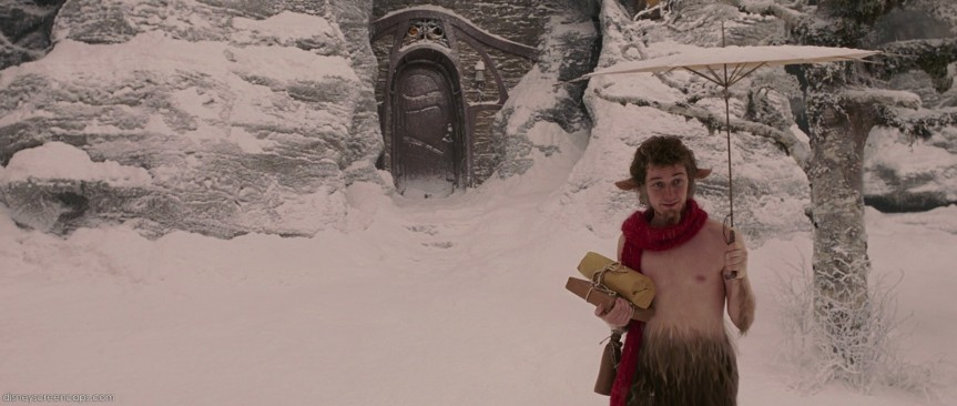 15-Pictures-of-Lucy-Pevensie-and-Mr-Tumnus-the-chronicles-of-narnia-32956427-1920-816
