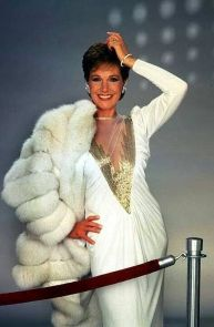 9b4bdfe63fd34d06df2f161690e152b9--julie-andrews-fox-fur - Copy (3)